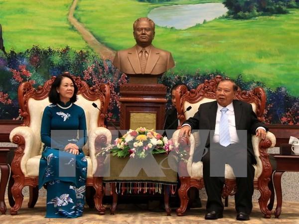 Vietnam y Laos intensifican intercambios teoricos hinh anh 1
