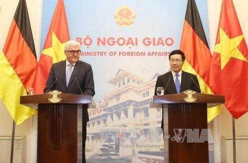 Vietnam y Alemania por impulsar cooperacion en todas las esferas hinh anh 1