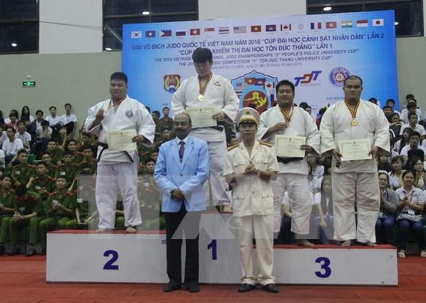 Sudcorea triunfo en el Torneo internacional de Judo de Vietnam 2016 hinh anh 1