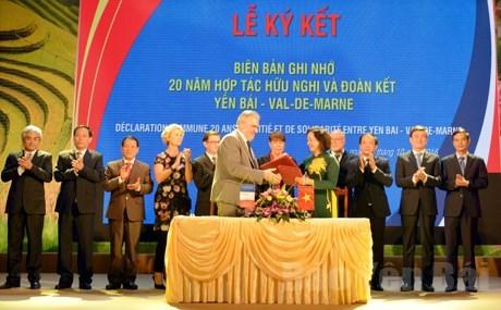 Localidades vietnamita y francesa fortalecen cooperacion hinh anh 1
