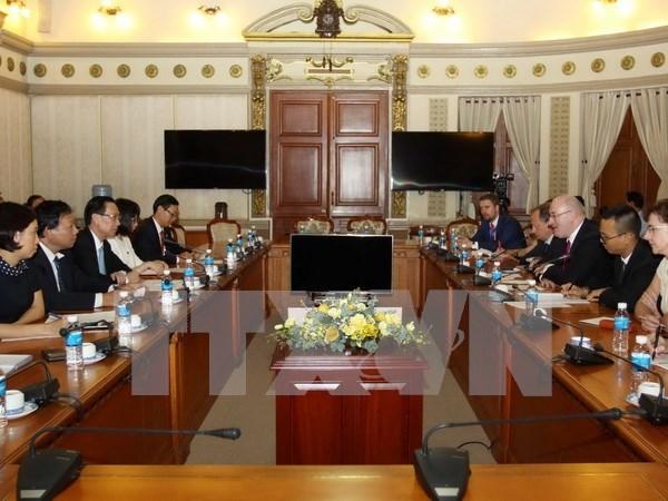 UE promete cooperar con Ciudad Ho Chi Minh en materia de higiene alimentaria hinh anh 1