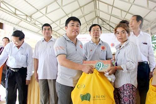 Diplomacia popular consolida relaciones de amistad Vietnam-Camboya hinh anh 1