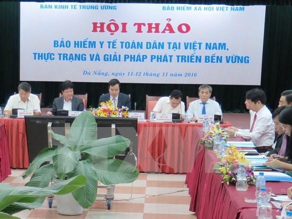 Debaten soluciones sostenibles para ampliar cobertura de seguro medico hinh anh 1