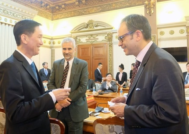 Ciudad Ho Chi Minh y Toronto cooperan en solucion de contaminacion ambiental hinh anh 1