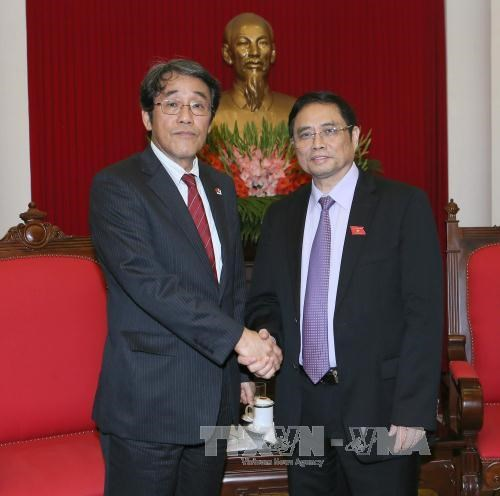 Dirigente partidista de Vietnam recibe a nuevo embajador japones hinh anh 1