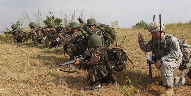 Filipinas y Estados Unidos conduciran maniobras militares conjuntas hinh anh 1