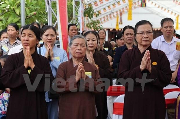 Celebran ceremonia religiosa en Vietnam por fallecidos en accidentes de transito hinh anh 1