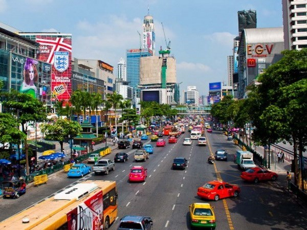 Tailandia destinara tres mil millones de USD al desarrollo de transporte en 2017 hinh anh 1