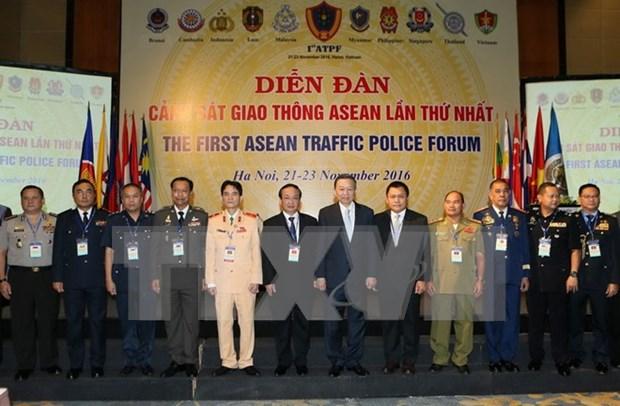 Inauguran en Vietnam primer Foro de Policia de Transito de la ASEAN hinh anh 1