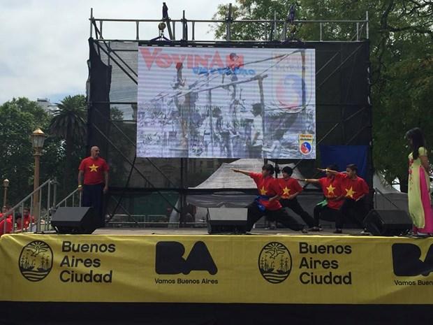 Promocionan culturas de paises miembros de ASEAN en Argentina hinh anh 2