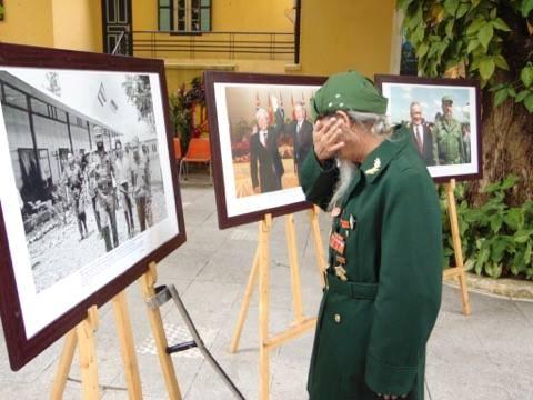 Vietnam despide a Fidel con un ¡Hasta siempre, amigo! hinh anh 4