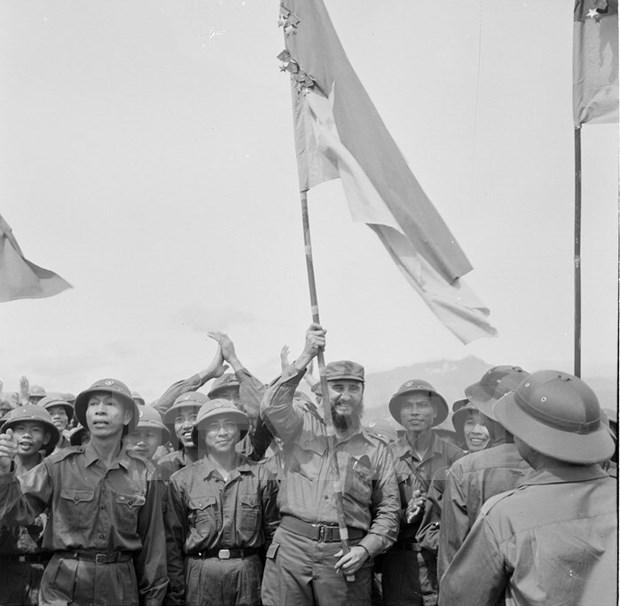 Vietnam despide a Fidel con un ¡Hasta siempre, amigo! hinh anh 5