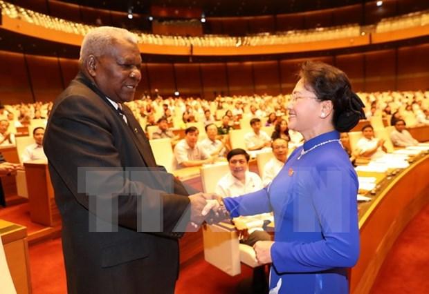 Robustecen cooperacion entre parlamentos de Vietnam y Cuba hinh anh 1