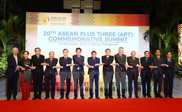 [Fotos] Actividades de premier Xuan Phuc en Manila hinh anh 2