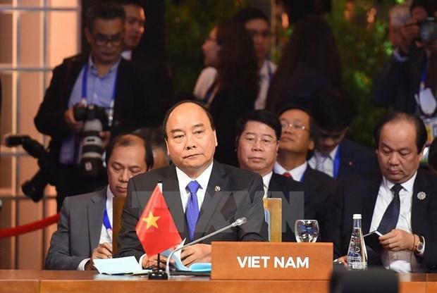 [Fotos] Actividades de premier Xuan Phuc en Manila hinh anh 6