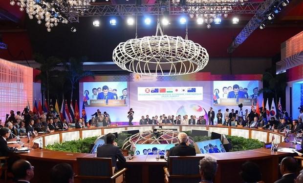 [Fotos] Actividades de premier Xuan Phuc en Manila hinh anh 8