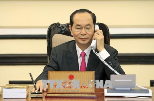Presidente de Vietnam y Donald Trump sostienen llamada telefonica hinh anh 1