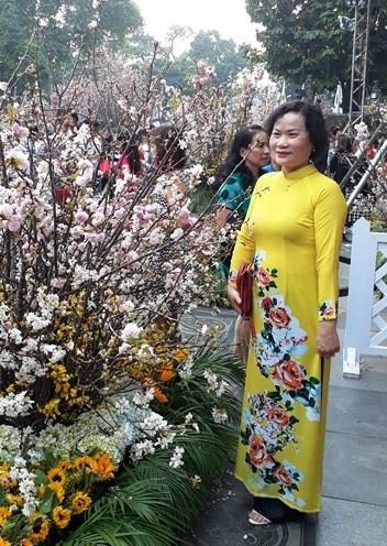 Ao dai: vietnamitas siguen la moda pero mantienen las raices hinh anh 10