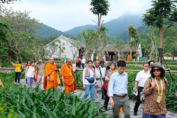 Elogian delegados internacionales al Dia de Vesak de la ONU las bellezas naturales de Vietnam hinh anh 7