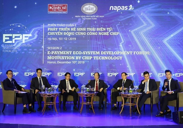 Urge vicepremier vietnamita promover el pago electronico hinh anh 2