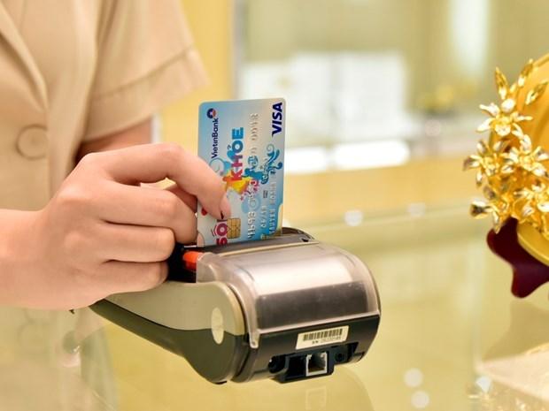 Sugieren en Vietnam a reducir tarifas para tarjetas de credito internacionales hinh anh 1