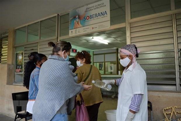 Cuba abandera espiritu resiliente en lucha contra el COVID-19 hinh anh 2