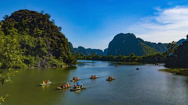 Provincia vietnamita de Ninh Binh, destino seguro para turistas hinh anh 2