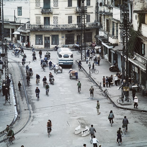 Exposicion de fotografo aleman brinda al publico vision sobre Hanoi en epoca antigua hinh anh 6