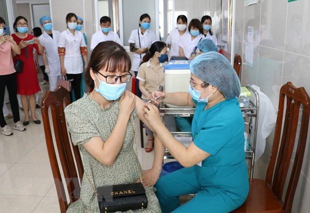 Prensa internacional alaba logros de Vietnam en lucha contra COVID-19 hinh anh 1