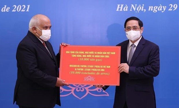 Premier de Vietnam propone intensificar lazos con Cuba en produccion de vacunas hinh anh 1
