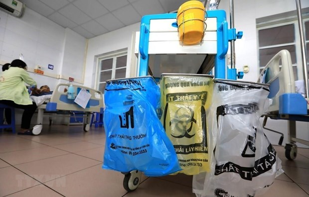 Lucha contra basuras, otra victoria de Hanoi durante pandemia hinh anh 3