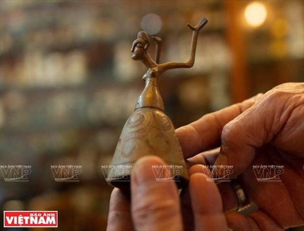 [Fotos] Bui Duc Tam, coleccionista de campanas en Ciudad Ho Chi Minh hinh anh 10