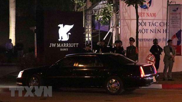 [Fotos] Presidente de Estados Unidos, Donald Trump, llega al hotel Marriott JW, en Hanoi hinh anh 7