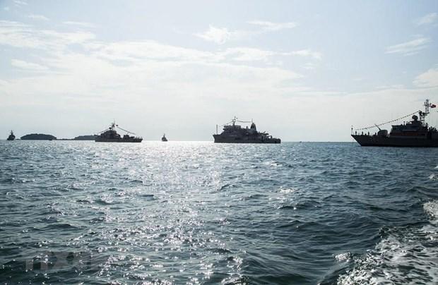 [Fotos] Fuerzas marinas vietnamitas, listas para defender soberania nacional hinh anh 12