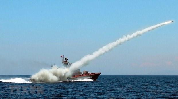 [Fotos] Fuerzas marinas vietnamitas, listas para defender soberania nacional hinh anh 15