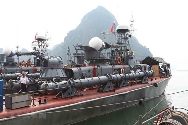 [Fotos] Fuerzas marinas vietnamitas, listas para defender soberania nacional hinh anh 9