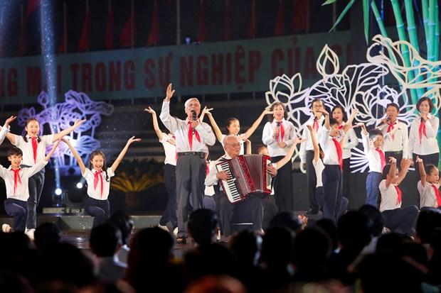 [Foto] Presentaciones artisticas en 50 aniversario del cumplimiento del Testamento del Presidente Ho Chi Minh hinh anh 3