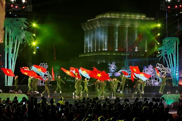 [Foto] Presentaciones artisticas en 50 aniversario del cumplimiento del Testamento del Presidente Ho Chi Minh hinh anh 4