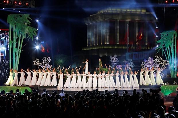 [Foto] Presentaciones artisticas en 50 aniversario del cumplimiento del Testamento del Presidente Ho Chi Minh hinh anh 6