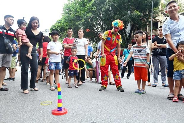 [Foto] Las calles peatonales en el casco antiguo de Hanoi en la Fiesta Nacional hinh anh 4