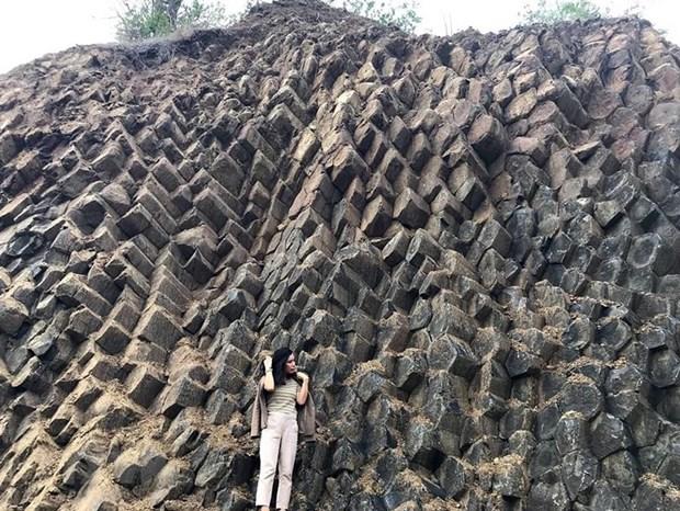 [Foto] Belleza de columnas basalticas en la ciudad Tuy Hoa, provincia vietnamita de Phu Yen hinh anh 2
