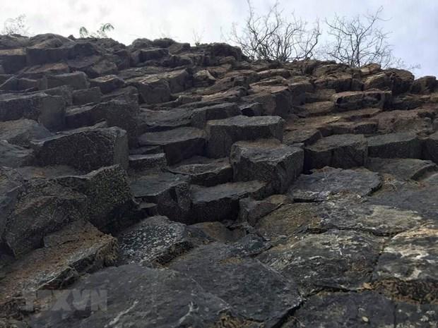 [Foto] Belleza de columnas basalticas en la ciudad Tuy Hoa, provincia vietnamita de Phu Yen hinh anh 3