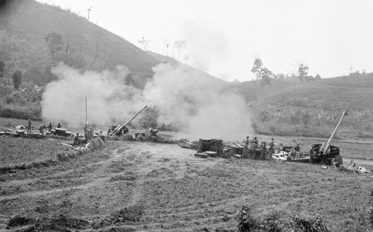 [Foto] Tras la guerra, Vietnam supero las dificultades para la reconstruccion nacional bajo la direccion del Partido Comunista hinh anh 11