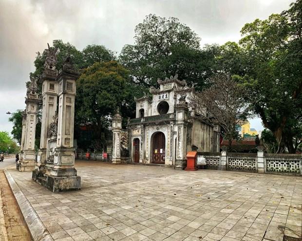 [Foto] Cierran iconicos sitios turisticos de Hanoi por COVID-19 hinh anh 8