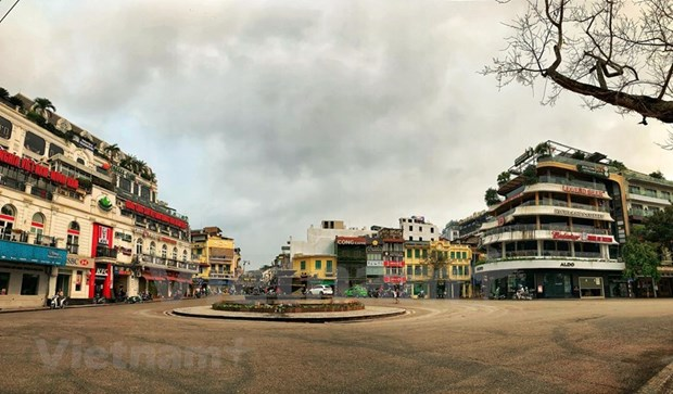 [Foto] Cierran iconicos sitios turisticos de Hanoi por COVID-19 hinh anh 9