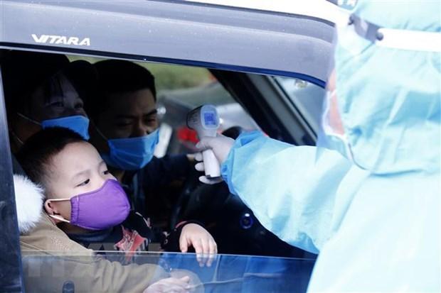 Con 53 nuevos casos de COVID-19, Vietnam corre contrarreloj ante nueva ola de contagio local hinh anh 1