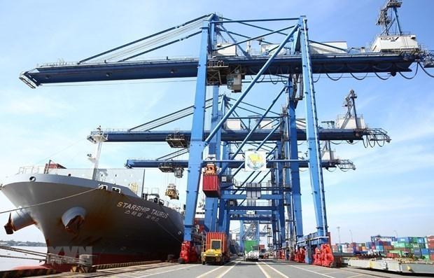 Companias navieras de Vietnam se benefician de aumento de tarifas de flete hinh anh 1