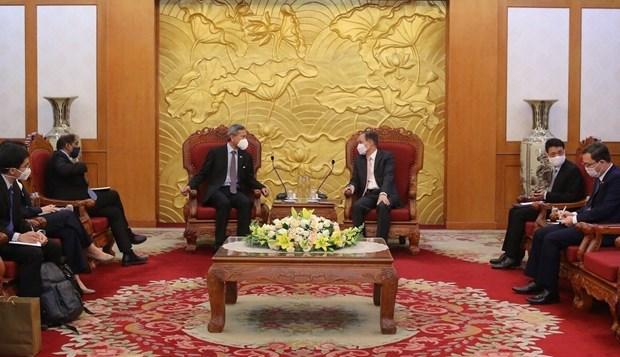 Resaltan lazos entre partidos gobernantes de Vietnam y Singapur hinh anh 1