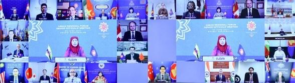 Exhorta Vietnam a mejorar eficiencia del Foro regional de la ASEAN hinh anh 2