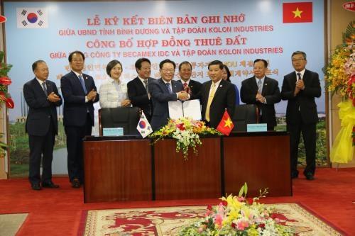 Grupo sudcoreano invierte mil millones de dolares en provincia de Vietnam hinh anh 1